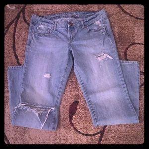 AmericanEagle BoyfriendFit BOOTCUT Jeans SIZE 10
